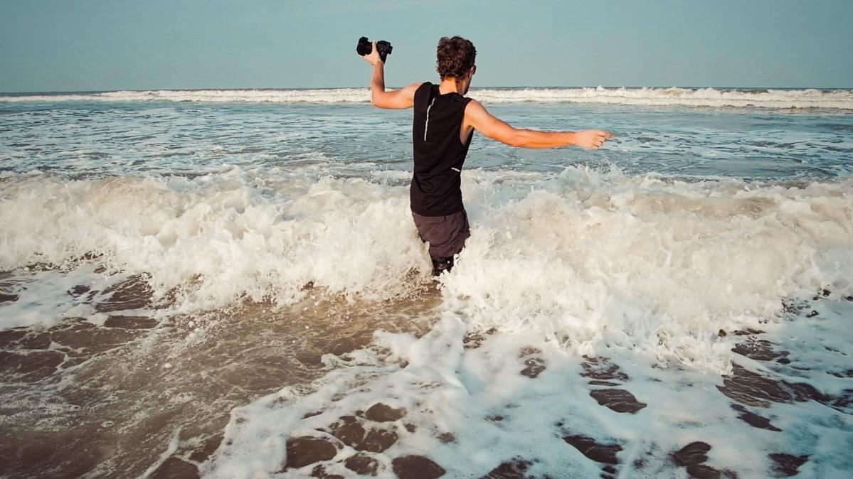 Firmin pieds dans l'eau
